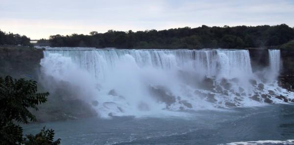 Canada : les chutes du Niagara, coté américain