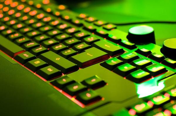 Microsoft Sidewinder X6, clavier rétro-éclairé