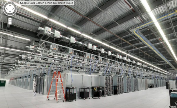 Visitez un datacenter de Google à pied avec Street View